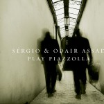 Sergio and Odair Assad Play Piazzolla详情